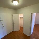 304 Foyer - 3210 Warrensville Center Rd